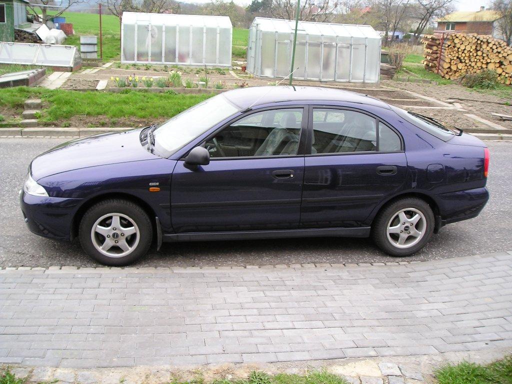 1998 Mitsubishi Carisma 1.8 (112 cui) gasoline 92 kW
